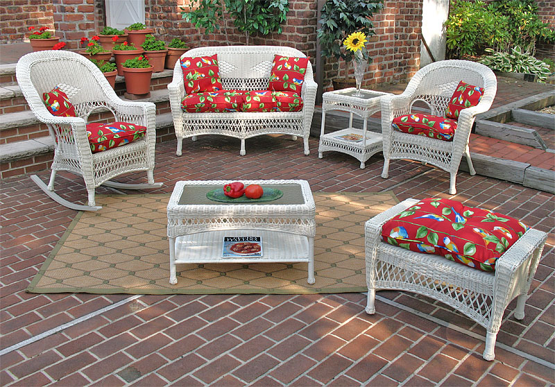 Antique White Tropical Breeze Outdoor Wicker Patio Furniture