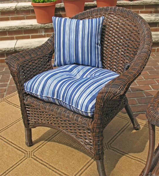 Wicker Chairs & Ottomans