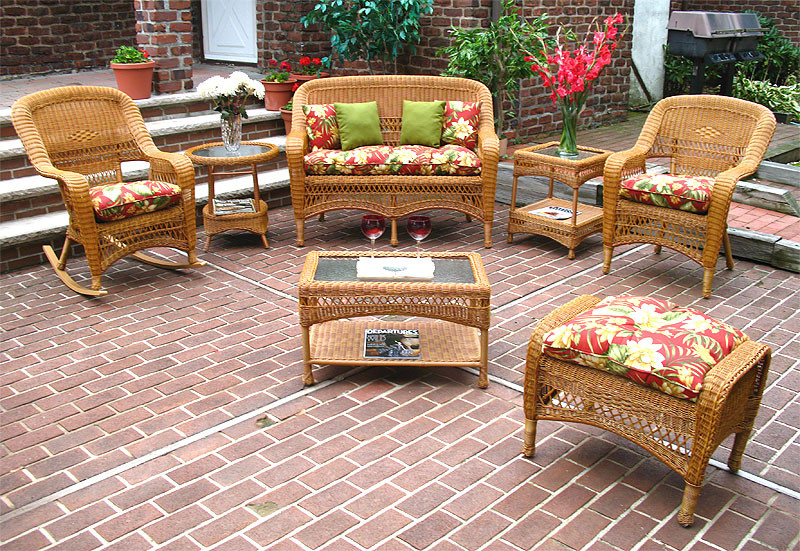 4 Pc Belair Resin Wicker Furniture Set with Cushions - DRIFTWOOD