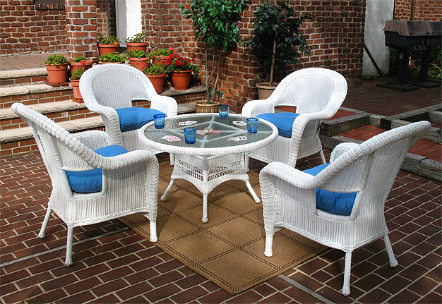 Malibu Resin Wicker Conversation Set (1) 24 High Table (4) Chairs - BLACK