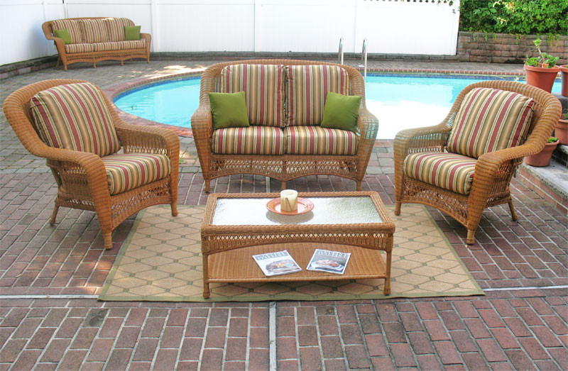 4 Piece Palm Springs Resin Wicker Set Love Seat, 2 Chairs & Cocktail Table - GOLDEN HONEY