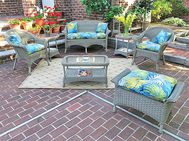 4-Pc Veranda Resin Wicker Set with Cushions - DRIFTWOOD