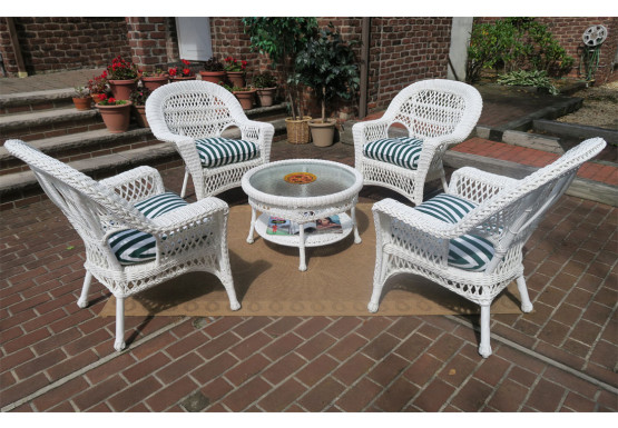 Madrid Resin Wicker Conversation Set With 19 5 High Tail Table White