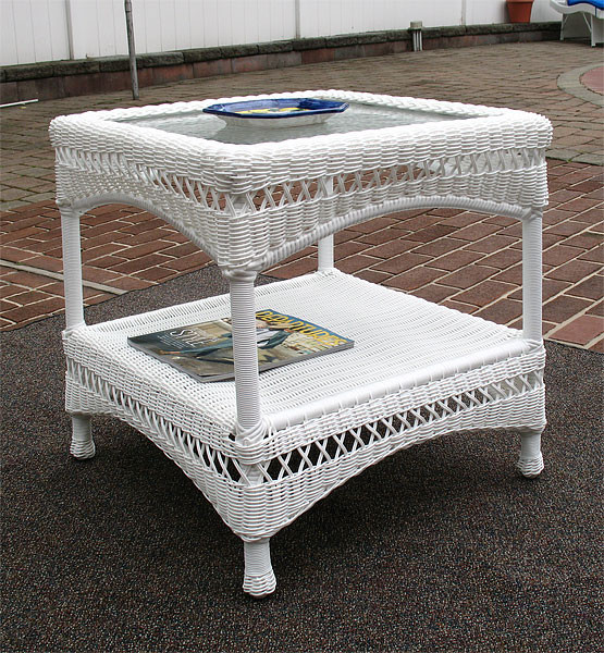 Palm Springs Resin Wicker End Table with Glass Top