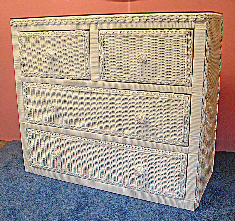 Traditional 4 Drawer Wicker Dresser