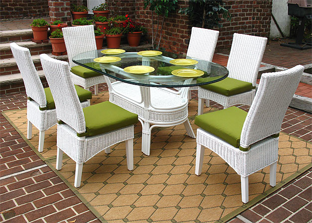piece signature oval dining set