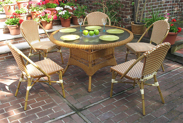 Resin Wicker Cafe Dining Set 48 Round 5 Chairs