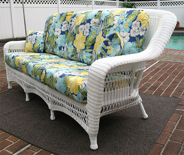 Ordinaire ... Resin Wicker Sofa White Palm Springs ...