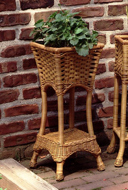 Resin Wicker Plant Stand Square With Tin