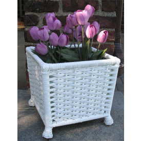 Resin Wicker Floor Planter with Tin Insert