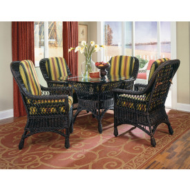 Harbor Front  Wicker Dining Set