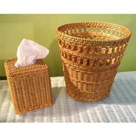 2-Piece Bathroom Accessory Set for Boutique Tissue Box