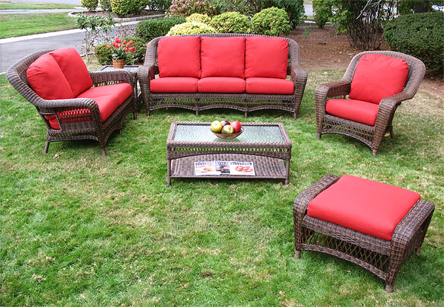 4 pc palm springs resin wicker furniture set for Belmont 4 piece brown wicker patio chaise lounge set