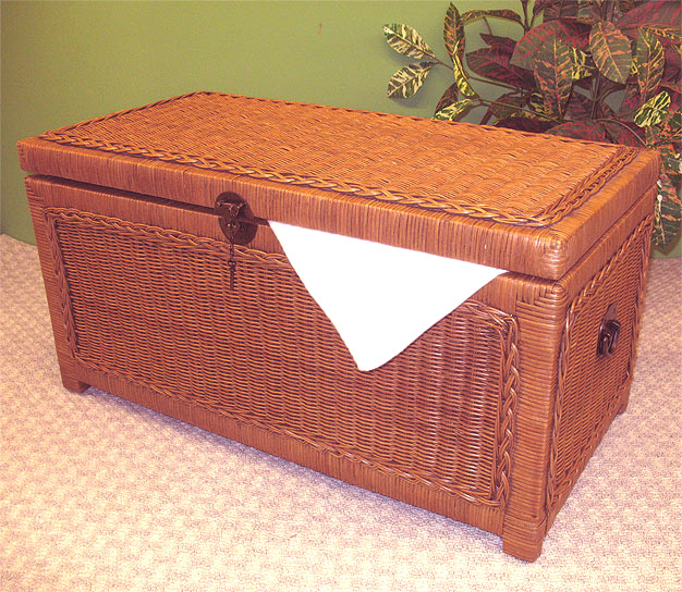 Woodlined Wicker Chest Small