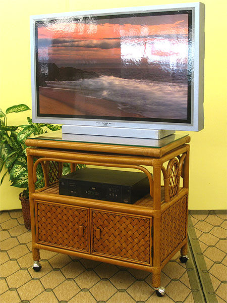 Venetian Rattan Tv Stand With Swivel Top Glass And Castors
