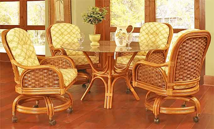 Pelican Harbor Castered Dining Set