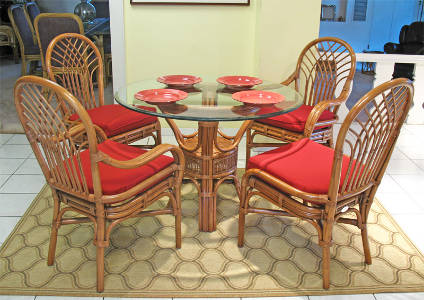Teawash Pole Rattan Wicker Dining Set